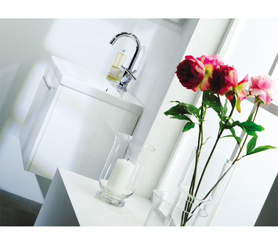 Additional image of Roper Rhodes Envy 700mm White Wall Mounted Unit Including Basin