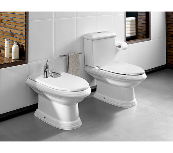 Additional image of Roca New Classical Close-Coupled WC Pan With Cistern 705mm - 342497000